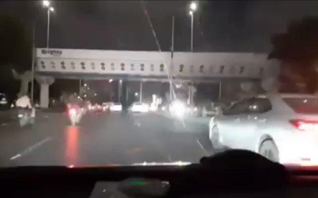 Just happened now a drunk driver crashed a vehicle on Sharah e faisal. #Karachi https://t.co/DIqX0jBlo2