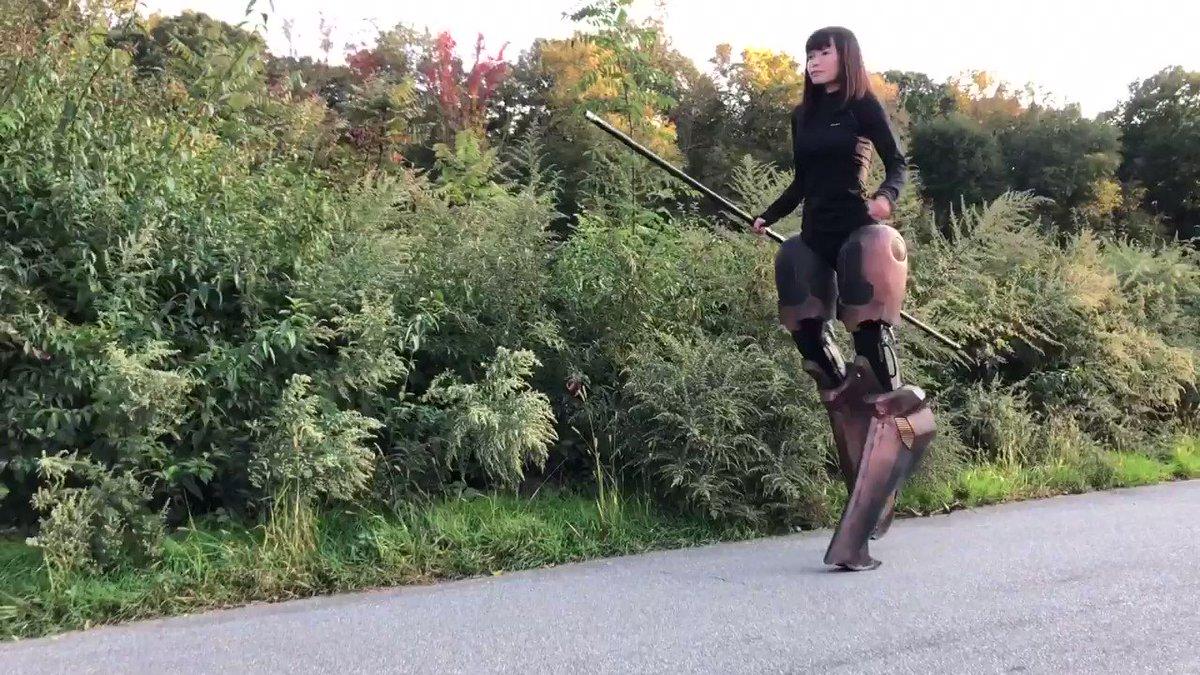 久々にアヌビスの義足で歩行練習。脚だけのアヌビスは記録していなかったので今後の参考に録画しました。🐺🐾