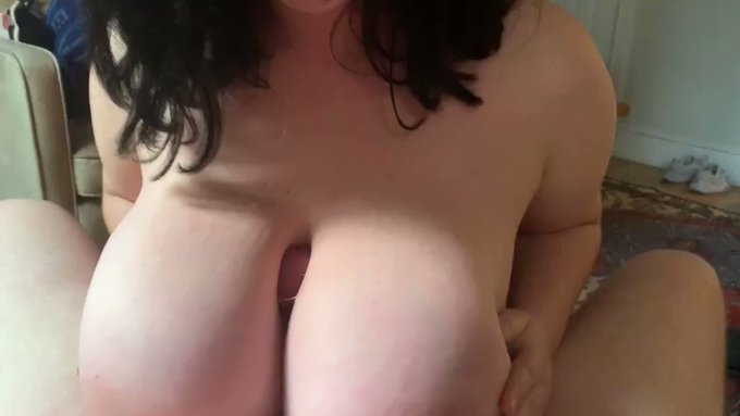 Another vid sold! Blowjob/Titty Fucking Real Cock https://t.co/7WhsSEyAqP #MVSales https://t.co/YyVI