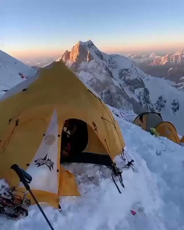 Sunset view of K2 Camp 3. #sunset #k2 #2ndhighestpeak #Karakoram #SnowWhite #mountaineer #mountaineering #Winterexpedition #expedition #adventurelife #tourism #TourdeRakaposhi #sustainable #development #eco #tourism #skardu #GilgitBaltistan https://t.co/uoAZNyESdi