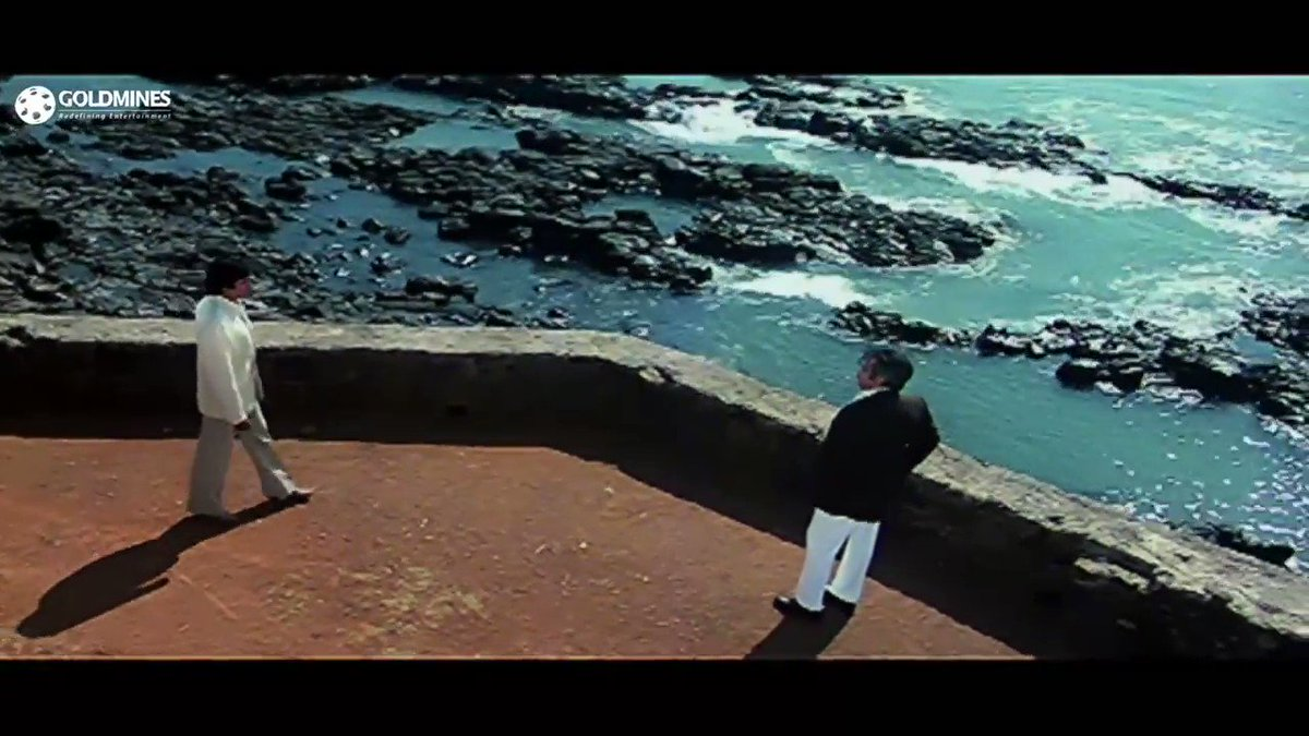 Replying to @FAISALmouthshut: My two fav actors in one screen. #shakti @TheDilipKumar @SrBachchan