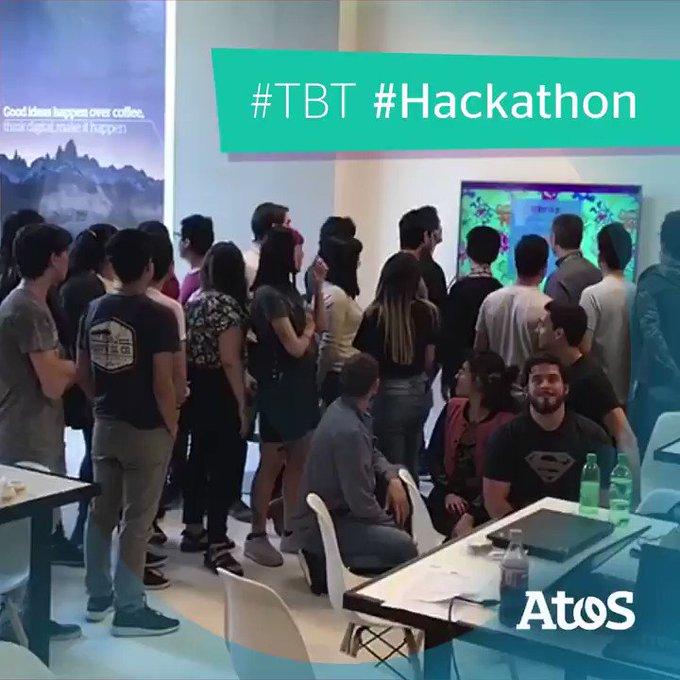 Es jueves de #tbt y recordamos la #Hackathon que compartimos con estudiantes de #NodeJS...