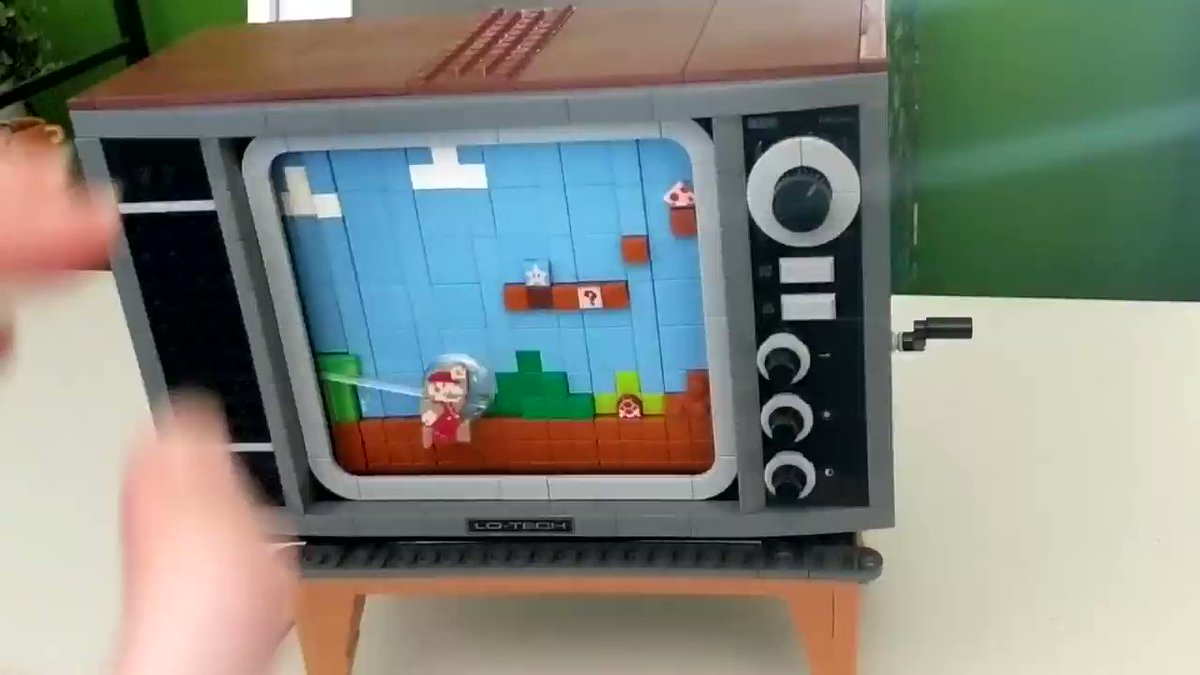 I BUILT THIS 80S MARIO TV ON STREAM YESTERDAY