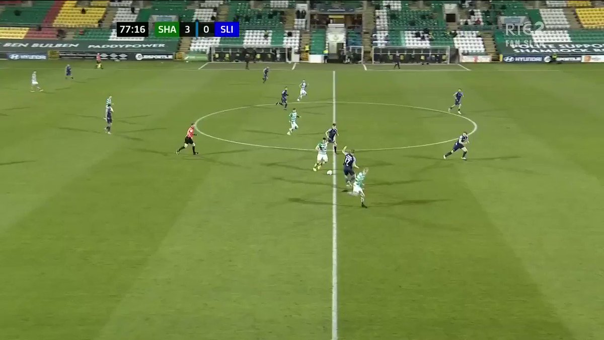 @Jackb_8 @RTE2 @RTEplayer Dylan Watts gets the Hoops' fourth of the night #RTESoccer #RTESport #WatchLOI
