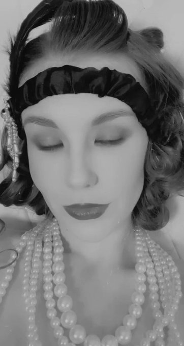If you missed my special 1920s show today don't worry I'm doing a second showing tomorrow ☺️ https://t
