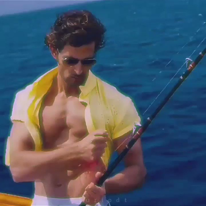 They're gonna be so hot together on screen omfg #Fighter #DeepikaPadukone #HrithikRoshan