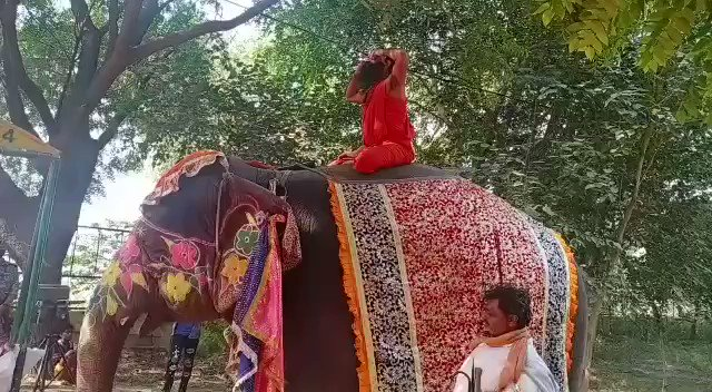 BREAKING: Baba Ramdev fell off from an elephant while doing Yoga on it, has sustained severe injuries in Spine, now admitted to Medanta Gurgaon.
