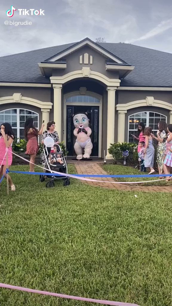 This is the craziest gender reveal I've seen 🤣🤣🤣