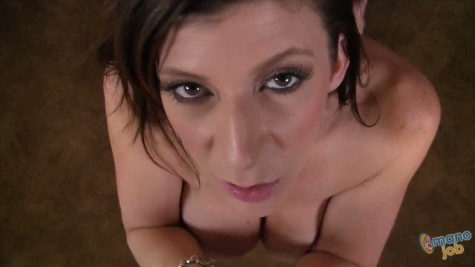 Get a #XXX #POV experience to remember with GIANT tit #MILF #SaraJay 💯 Her dirty talk, eye contact, and