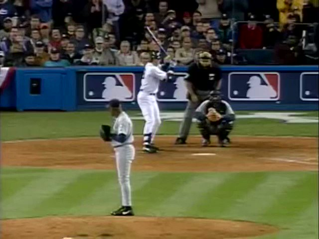 20 years ago today, David Justice's clutch home run in Game 6 of the ALCS helped the Yankees advance to the Subway Series. https://t.co/kJ9oSUxE1W