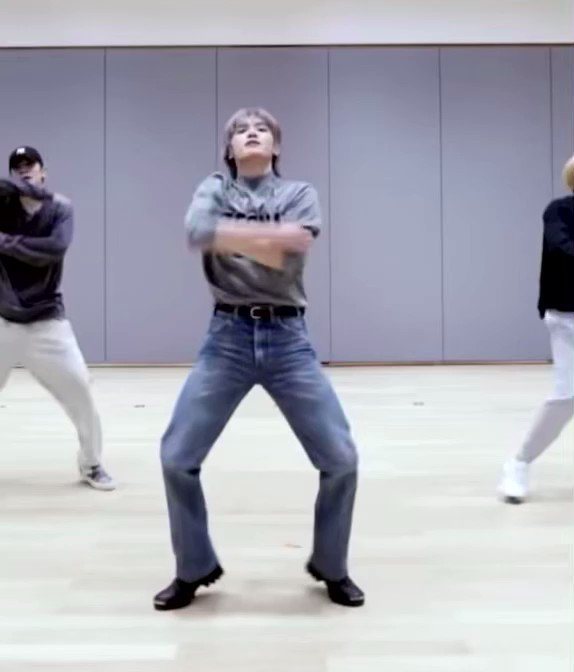 watching taeyong dance is a blessing to the eyes