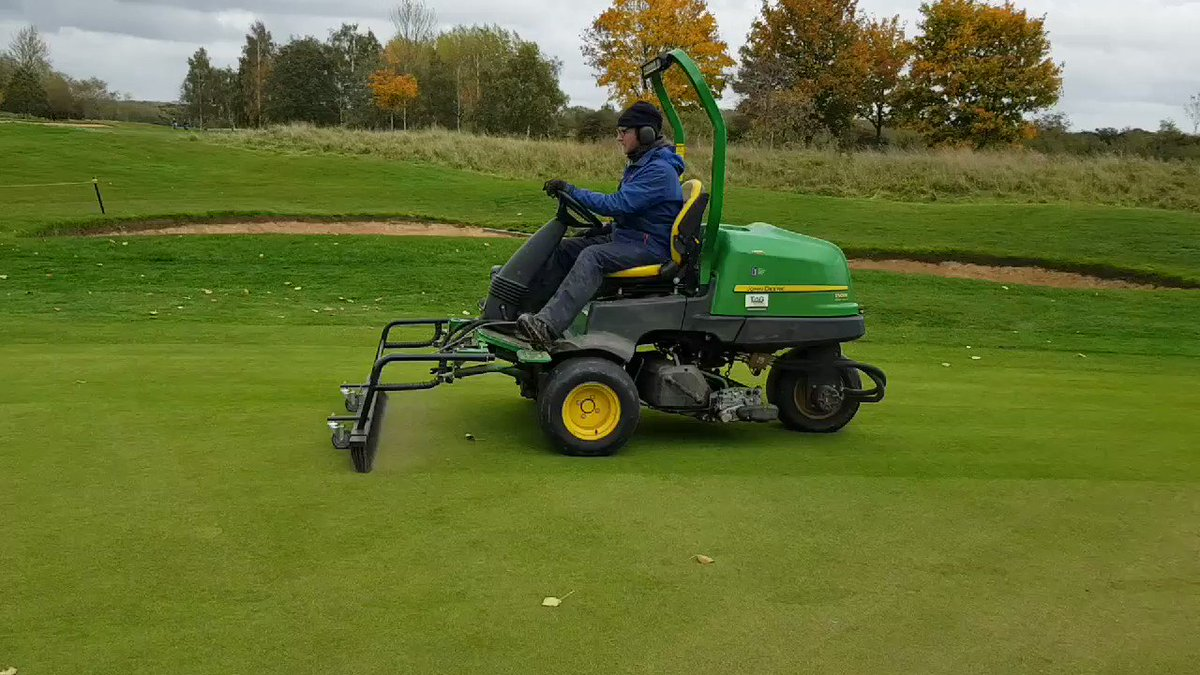 Image for the Tweet beginning: Light topdress on the greens