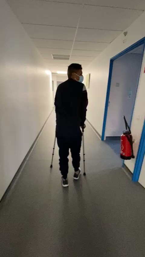 Amigos les cuento que fui sometido a una cirugía en mis rodillas, todo ha salido muy bien. Ahora a recuperarme y preparar el 2021. Gracias a todos por los mensajes de apoyo. https://t.co/kEwlnFPrDj