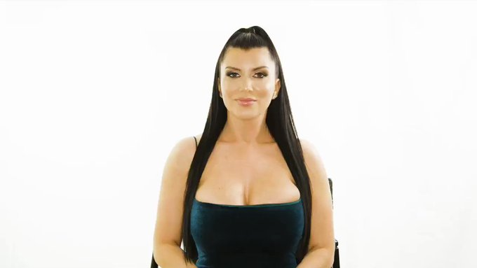 """Might never look at pickle juice the same. 🤣  """"Cleanliness is next to godliness""""- @Romi_Rain   Tips for"""