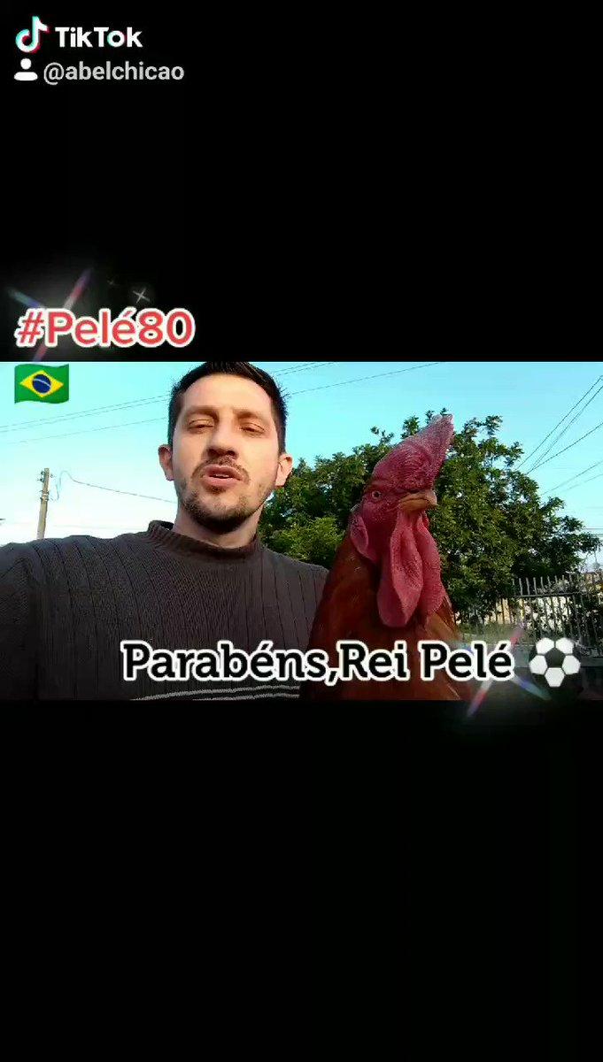 #Retrospectiva2020   Parabéns 🎉🎉🎉 O nosso Rei do futebol completa 80 anos e o @GaloChico1 canta 🐓🐓 Parabéns,Rei Pelé!⚽🇧🇷🎂 Desejamos muita saúde e paz #Pele80 #ReiPele #Pele10x8 #Pelé  🇧🇷🎉🐓🐓🐓⚽ #Pele80Anos 🎂🎂🎂🎂🎂 ⚽⚽