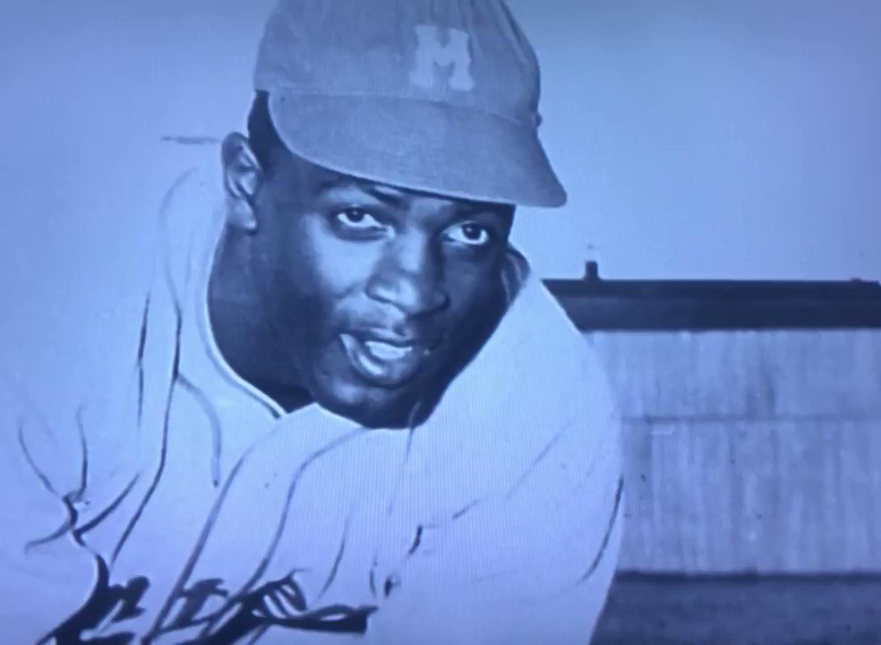 On This Date 10/23/1945: Branch Rickey signed Jackie Robinson to a contract with the Montreal Royals, the top farm club of the Brooklyn Dodgers! It was a great day for America! 🇺🇸 @JRFoundation @Dodgers_History @nlbmprez @DodgerYard @sigg20 @DodgersLowDown https://t.co/WAeiY8YTaT https://t.co/ge3dlKTMwv
