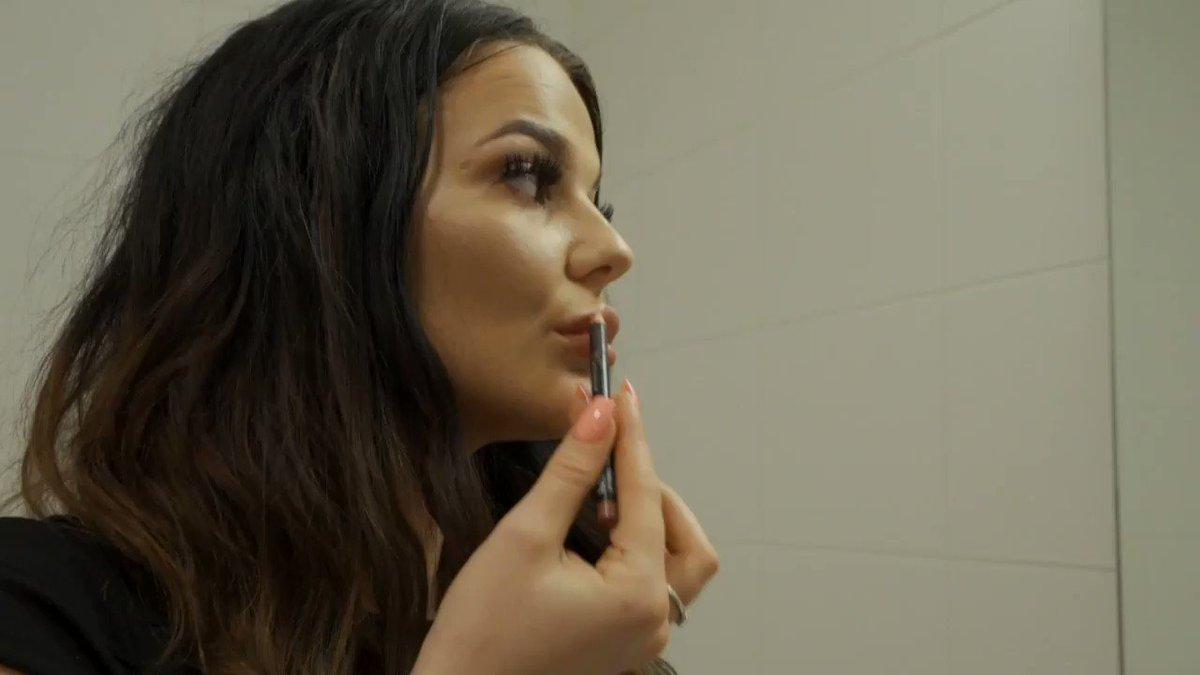 We hebben iets speciaals vandaag: de lesbische ontmaagding van Jessy! En aan wie kunnen we die taak beter overgeven dan aan pornokanjer @DaphneLaat Ga lekker kijken! kimholland.nl/daphne-zorgt-v… (18+)
