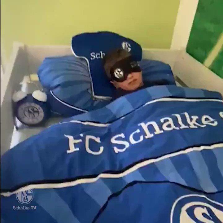 Image for the Tweet beginning: 🕒➡️🕑  Nicht vergessen, Schalker: Uhren