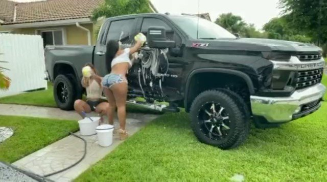 I just made a sale: Monroe big bootys car wash #3some video : https://t.co/ndY1R7svFh https://t.co/p