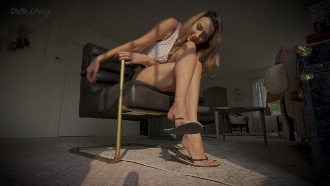 You can never get enough of stroking to my sandals! The dangling on my feet is so erotically gorgeous