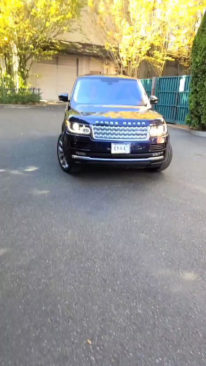 Same range Rover that pointed a gun on protesters is circling the march in Lake Oswego. He tried to deny being the guy https://t.co/wUgjI1p3dd https://t.co/Du2J9eYmZb