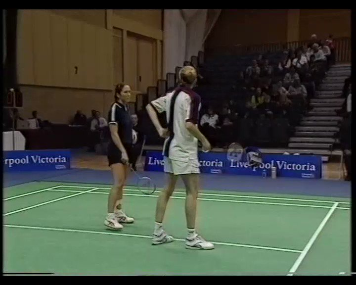 🎖️ Badminton Gold 🎖️ Tonight at 7pm over on our Facebook page we will be taking you back to the 2000 English National Championships. Premiering the Womens Doubles final between Emma Chaffin & Donna Kellog and Sara Sankey & Ella Miles. Catch a preview ⬇️👀 #BadmitnonGold