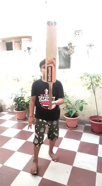 @CEATtyres @ajinkyarahane88 Here my 2nd Entry. My best try to balance bat @ajinkyarahane88   #CEATBalanceTheBatChallenge #Dream11IPL #CEATTyreStrategicTimeout