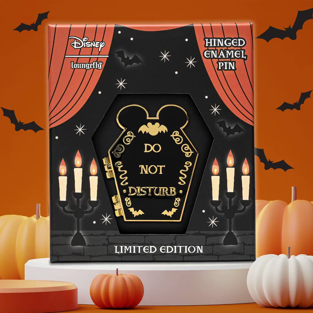 🖤🎃🖤 Oh boy! This Mickey limited edition pin drop is just in time for Halloween!!! Shop today at bit.ly/3oyxar6 while supplies last! 🖤🎃🖤 #Disney #MickeyMouse #PinCollector #EnamelPin #PinGame