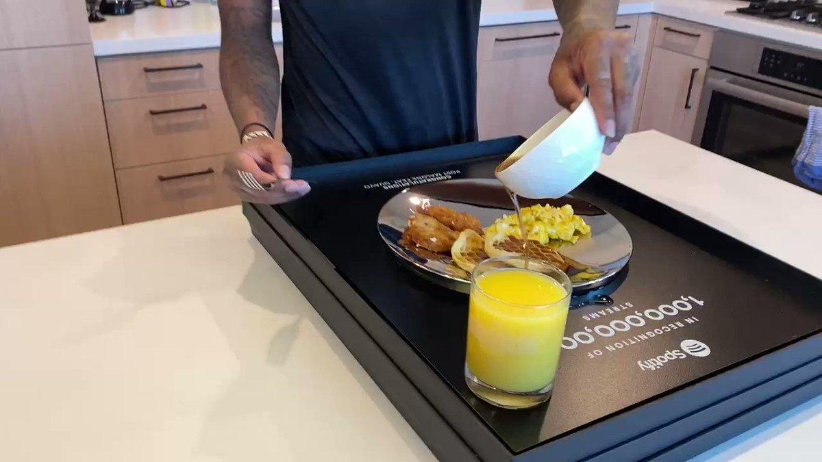 Billi Breakfast! Congrats @QuavoStuntin on hitting 1 billion Spotify streams on Congratulations