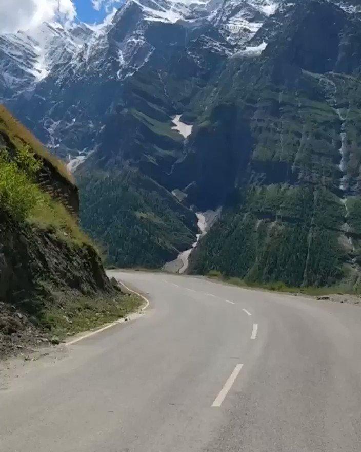 Image for the Tweet beginning: Manali to Leh biking expedition