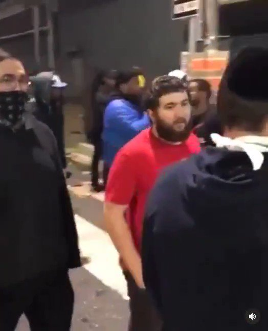 Orthodox Jews violently attacked by mob @ BLM protest last night in Philly. They told protesters they were there to show solidarity. Mob shouted anti Semitic & racist hate as they assaulted victims. Spoke to victim, says he feared for his life. This needs to be condemned by all!
