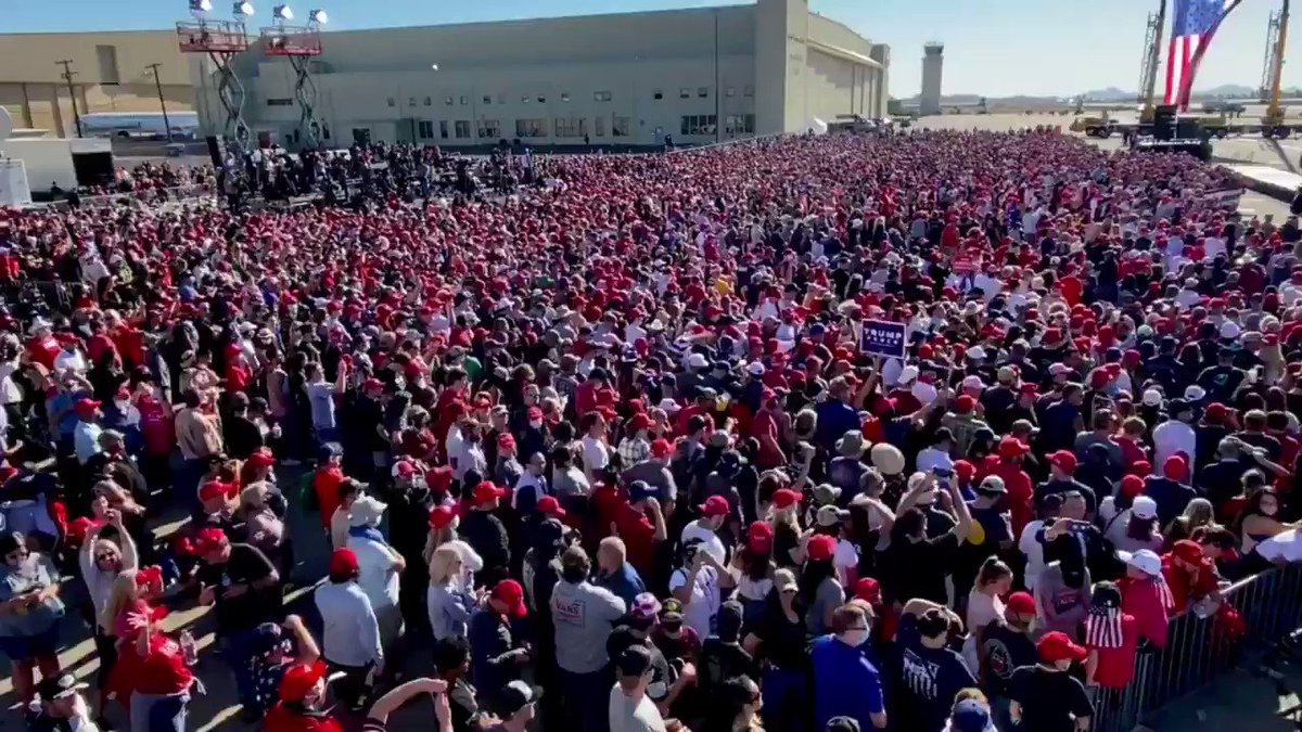 Thank you Goodyear, Arizona! Get out and VOTE — Together, we are going to MAKE AMERICA GREAT AGAIN! https://t.co/r7mVXvoFD2