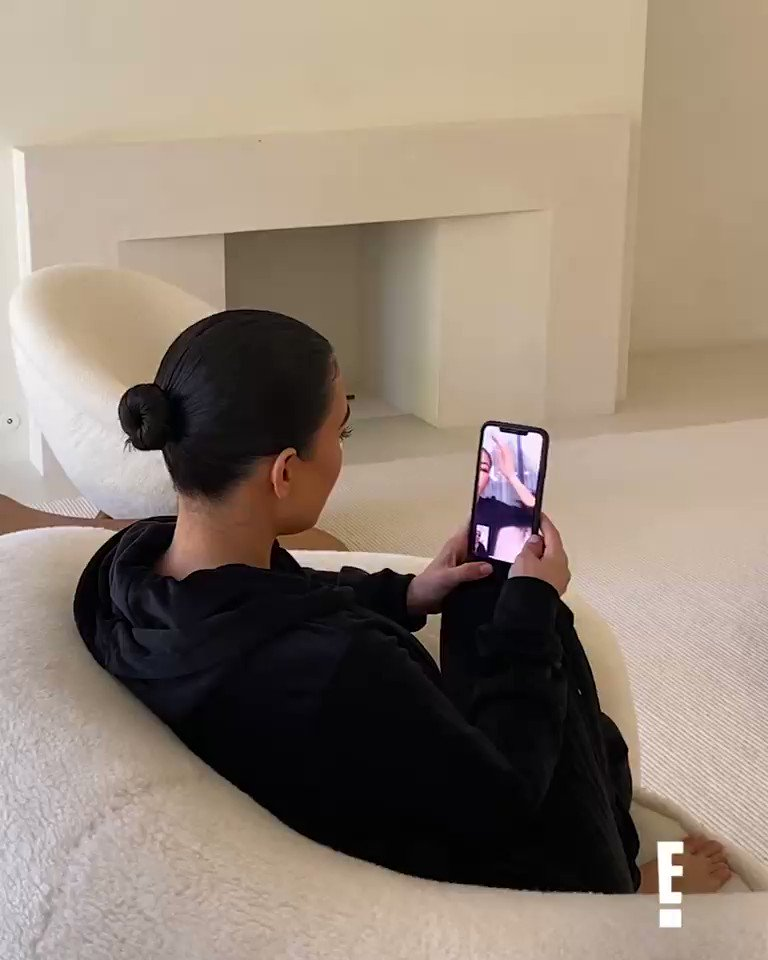 Happy Thursday! Don't miss a brand new episode of @KUWTK tonight at 8/7c on E! #KUWTK https://t.co/1VAuCTpAFD