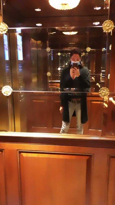 Flashing boobs in the elevator 🤪 #LasVegas #boobs #FlashingGirls #flashingboobs #pornhub #tetas #tette