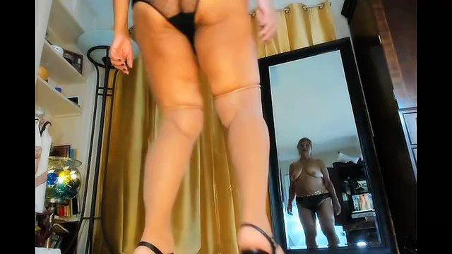 I love erotica, especially dancing erotically!  Mature Latina woman Zilah Luz https://t.co/GEWXjGyVdU https://t