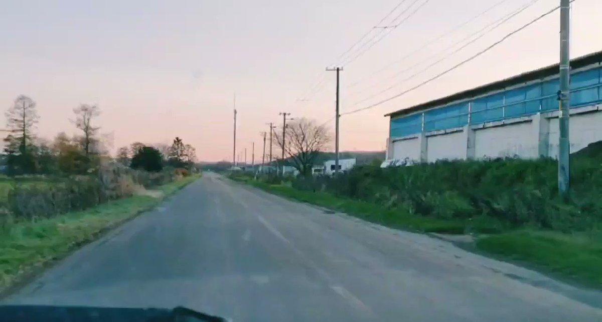 車かと思ったら鶴に追い抜かれた道東の夕暮れ時