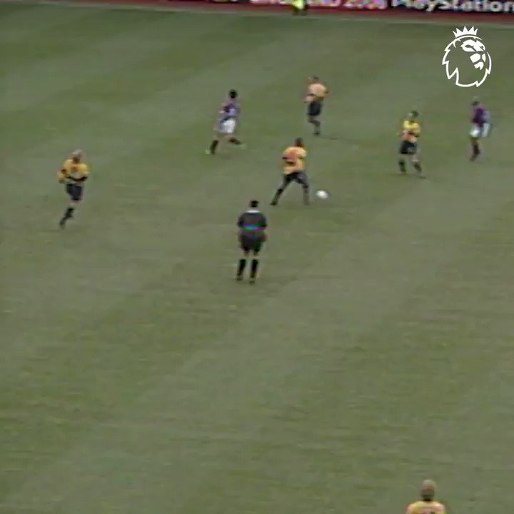 """Replying to @premierleague: """"They can't stop him"""" ✨  Dennis Bergkamp 🤝 #GoalOfTheDay"""