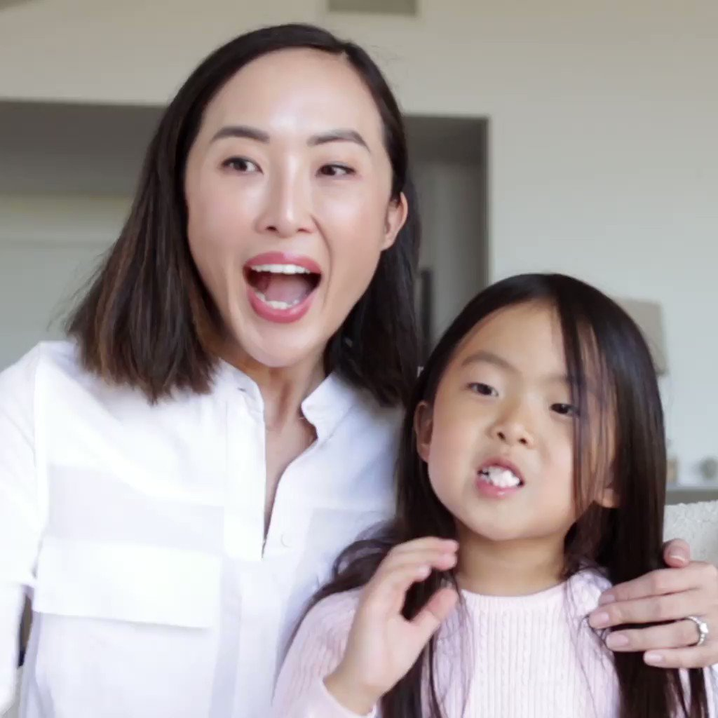 Staying connected with family is a must have for @CHRISELLEtweets. Luckily, with Portal, they never miss a moment with Grandma! 🙌 #PortalTraditions