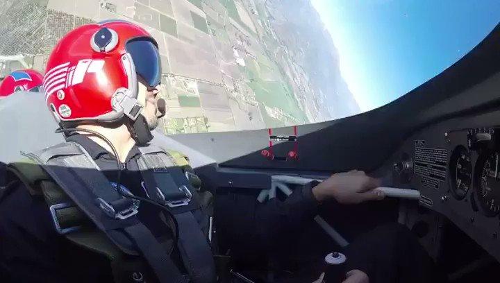 #tbt Hace unos años atrás, tuve el honor de volar con @escuadrillahalcones 🇨🇱 Impresionante 🙌🏽
