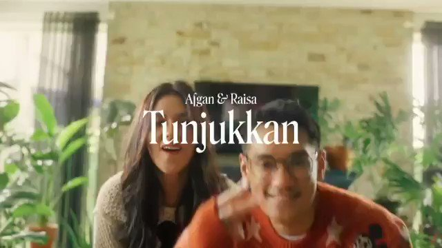 sumpahhh ini lagu bikin mood happy, ga nyangka @raisa6690 & @afgansyah_reza bakalah rilis lagu ini wkwkwk #AfganRaisaTunjukkan