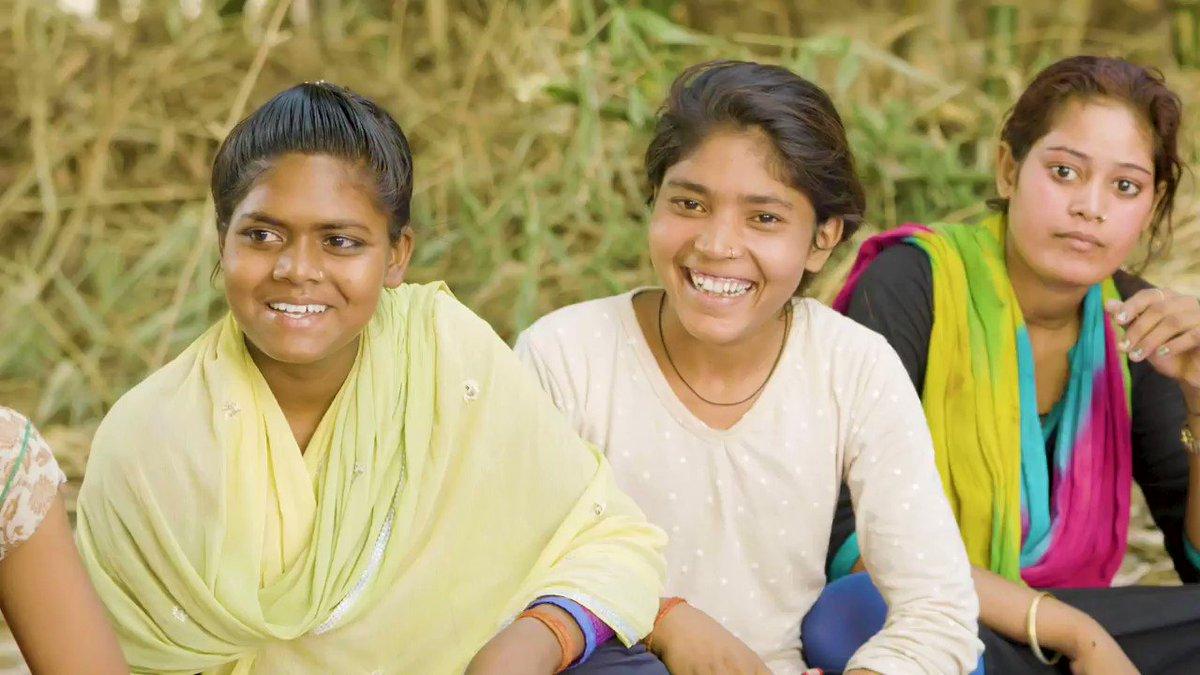 کوویڈ۔19کی وجہ سے ڈیڑھ أرب طلبا وطالبات کی تعلیمی سرگرمیاں متاثر ہوئی ہیں۔ اسی لیے، اب جب کہ اسکول کُھل رہے ہیں، ملالہ دنیا بھر کی لڑکیوں سے گزارش کر رہی ہے کہ جیسے ہی حالات محفوظ ہوں، وہ سب کلاس روم میں پھر سے پہنچ جائیں۔