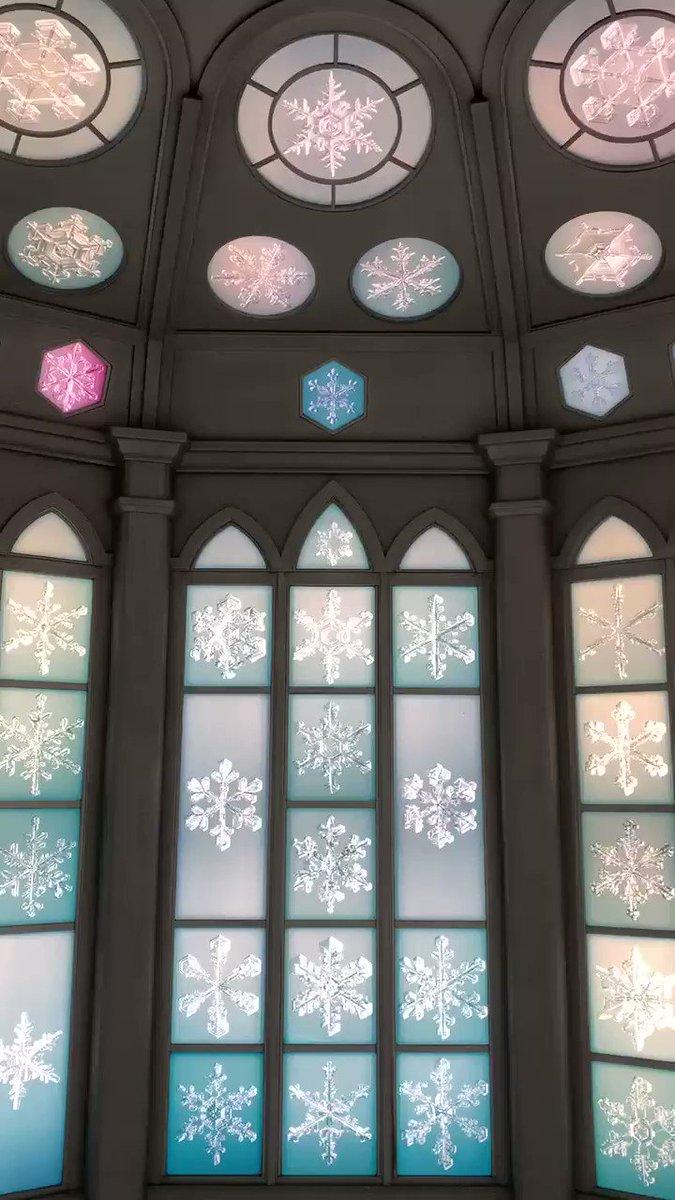 雪の美術館内のスノークリスタルミュージアムを動画で撮影しました❄️アナと雪の女王の世界に入り込んだかのような感動すら覚える,本当に素敵な雪の空間です.