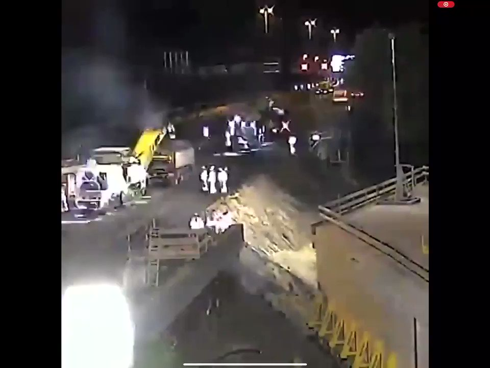 Tunnel installed under a motorway in The Netherlands over ONE weekend!!! We cant even get a footpath repaired over 2 years ffs #CorkCityCouncil @NeilRedFM @corkcitycouncil https://t.co/7VGEiuTVj8