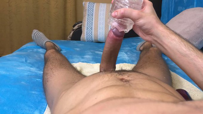 Masturbating with my fleshlight while moaning and cumming big all over myself 😩🍆💦 (🔊)  ⭐️https://t.co/FXFY5WJCRI⭐️<--