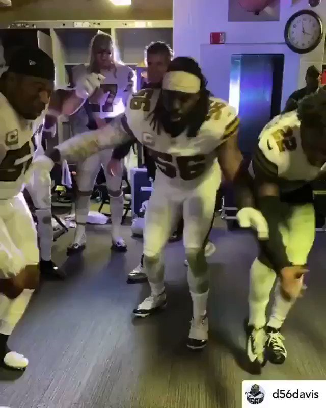 """Saints post-game victory celebration, capped by Jameis eating a """"W"""", 📹 @Saints. https://t.co/HOyu7Cafof"""