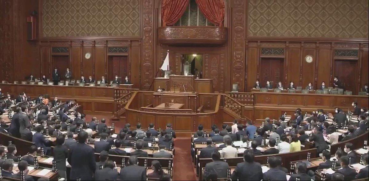 11/10(火)13:00~「衆議院」本会議が開会しました。  東京都選挙区から繰り上げ当選した 松尾明弘議員@matsuo_akihiro(東京2区)が 紹介されました。 https://t.co/Qw0GQ6k6Xl