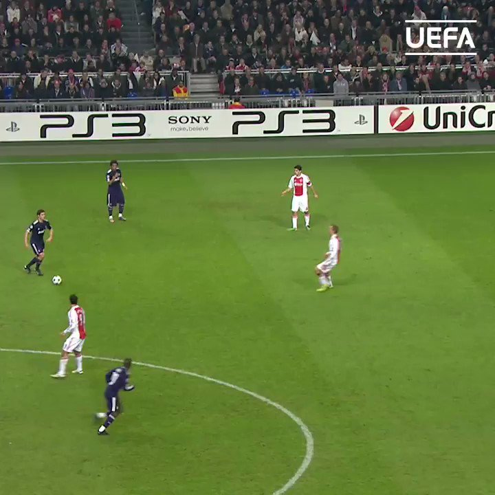 🤯 Sensational back-heel assist by Mesut Özil in 2010 🔥  ⚽️ Karim Benzema  👏 @MesutOzil1088   #UCL | #TBT | @realmadriden