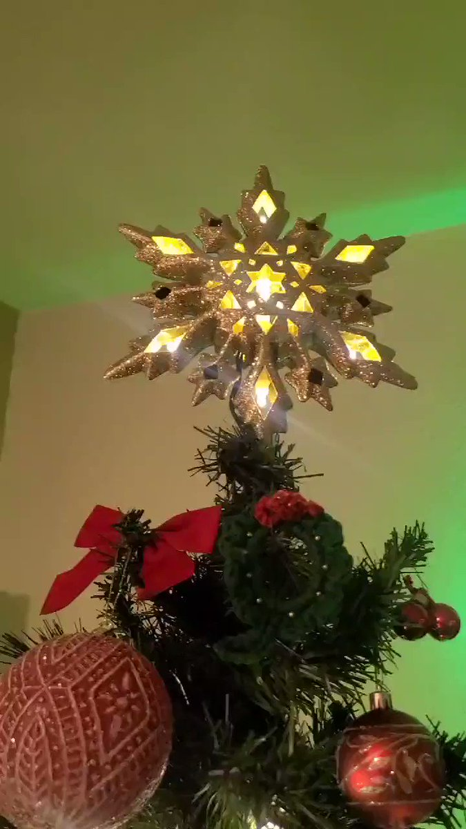 Loving our #ChristmasTree 🥰🥰 I want to spread #Faith #Peace #Hope this season but Wifey is totally with Christmas decorations #afterthanksgiving but I am #beforethanksgiving but she agreed that this yr. needed some Early Christmas Love.... Well there is #Masters2020 too ❤⛳