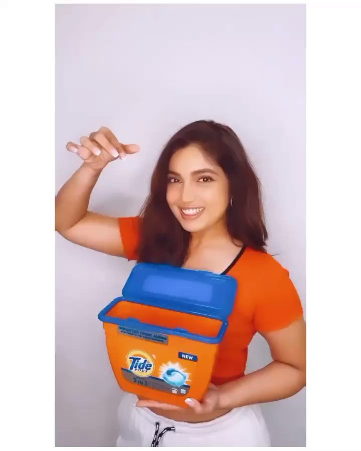 Laundry magic now comes in a tiny package! Wanna know how? Just use @tide_india 's 3in1 PODs and say WOW! 1 POD can give your entire load of laundry - Stain removal, Whiteness and Brightness. Don't believe me? Try it yourself! #TidePODs