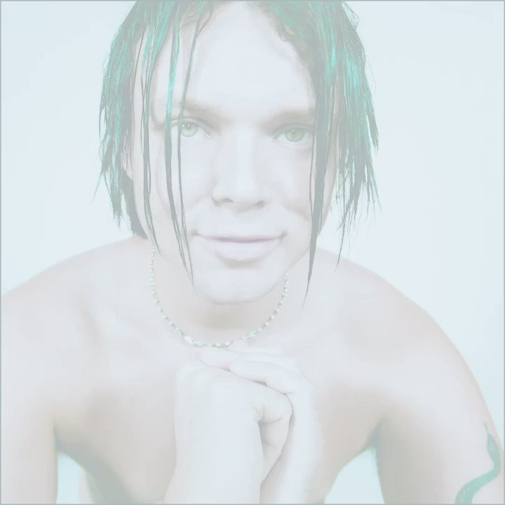 """""""Kurt Cobain's mastery is being respected in my cover in many ways. One of them being I by no means tried to sing it like him, I gave it my own take."""" @Ashton5SOS tastefully covers Nirvana's iconic """"Heart-Shaped Box"""". Listen here:"""